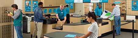 UPS店内的顾客